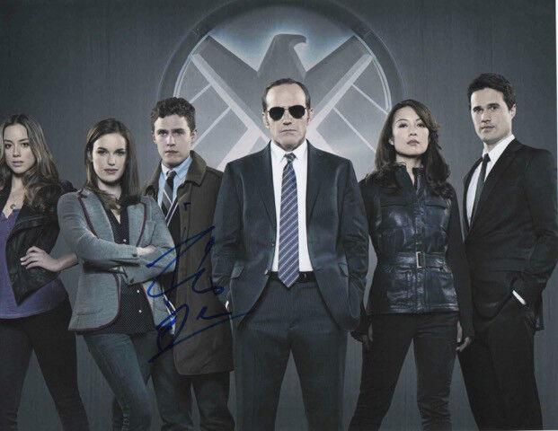 GFA Agents of S.h.i.e.l.d. * IAIN De CAESTECKER * Signed 8x10 Photo AD1 COA