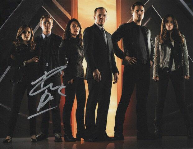 GFA Agents of S.h.i.e.l.d. * IAIN De CAESTECKER * Signed 8x10 Photo AD2 COA