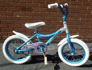 Vélo fille 14 pouces.