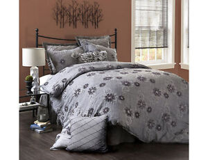 Lush Decor Sara 3pc Comforter Set Queen, New