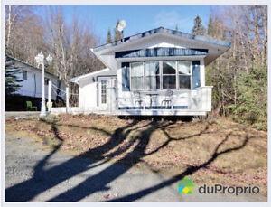 Maison à vendre au pied du Mont Belle-Neige avec $$Revenus$$