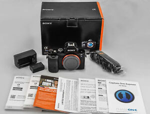 *Excellent* IN-BOX Sony A7s Camera; latest FW 3.2, low clicks