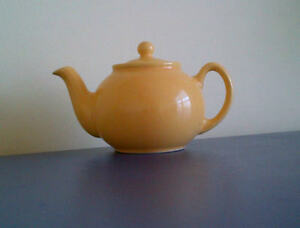 Teapot - Pristine - Made in England Peterborough Peterborough Area image 3
