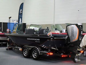 203 WARRIOR BOAT WITH 300 EVINRUDE G2