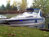 """Bayliner 2755 - LOA 30ft, 8'-6"""" beam, towable witout permit"""