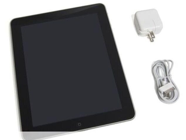 Apple MC497LL/A iPad 64GB Wi-Fi+3G Tablet PC 9.7in NEW CONDITION IN BOX A++++