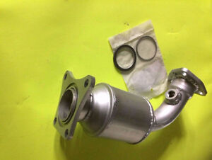 2004 Nissan Quest 3.5L V6 Direct Fit Passenger Side Catalytic Co