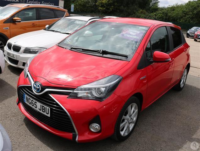 Toyota Yaris 1 5 Vvt I Hybrid Sport 5dr Auto In Castle Donington