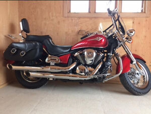 Superbe moto à vendre! Comme neuve!