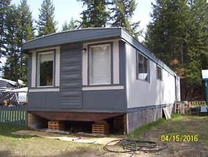 Clean 2 Bedroom home, quick possession!