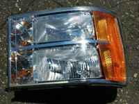 Genuine GM Parts 25799194 Passenger Side Headlight Assembly