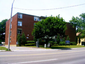 SPACIOUS 2 BDRM APT AVAILABLE NOW! Drummond Road