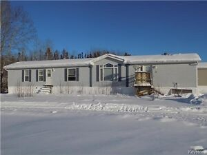 Mobile home with large Master suite!