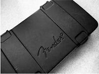 FENDER DELUXE MOLDED CASE FOR STRATOCASTER TELECASTER RRP £145