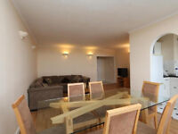 Cozy 4 bed 2 bath flat iwht a lounge and a terrace only 5 min walk to Angel Station