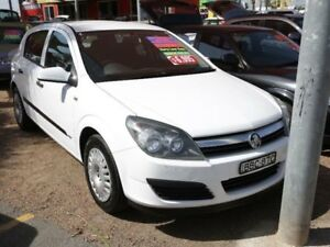 Holden astra ah my07 in new south wales gumtree australia free 2006 holden astra ah my07 cd white 4 speed automatic hatchback fandeluxe Gallery