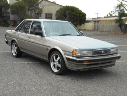 1985 Toyota Cressida MX62 GL Gold 4 Speed Automatic Sedan