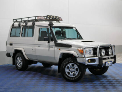 2007 Toyota Landcruiser VDJ78R Workmate (4x4) 11 Seat White 5 Speed Manual TroopCarrier