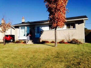RC duplex bungalow few min from Ottawa ***AVAILABLE MAY 1st***
