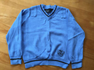 2 Chandails de tricot