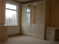 £99 Per Week Room Share Large Bedroom Lovely Location - 1 minute walk from Clapham Common Tube