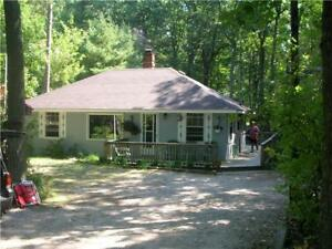 Grand Bend / Southcott Pines Cottage for Rent