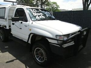 1998 Toyota Hilux LN167R White 5 Speed Manual Cab Chassis Coopers Plains Brisbane South West Preview