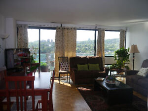 Location!Location!Location! 3 1/2 Lease Transfer in Westmount