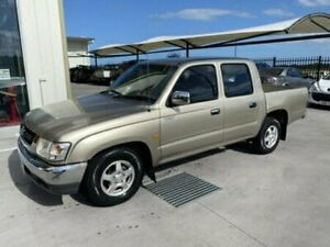 2004 Toyota Hilux RZN149R MY02 SR5 DUAL CAB Gold Manual Utility Bells Creek Caloundra Area Preview
