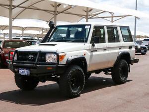 2014 Toyota Landcruiser VDJ76R MY12 Update Workmate (4x4) White 5 Speed Manual Wagon
