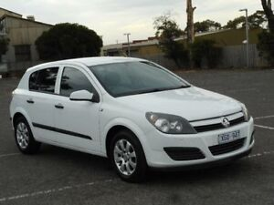 2005 Holden Astra AH CD White 4 Speed Automatic Hatchback Braybrook Maribyrnong Area Preview