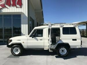 2004 Toyota Landcruiser HDJ78R Troopcarrier White Manual Wagon Bells Creek Caloundra Area Preview