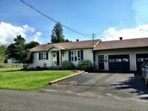 LAC BROME SEASONAL RENTAL COUNTRY COTTAGE/MAJOR SKI HILLS NEARBY