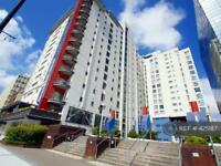 2 bedroom flat in Churchill Way, Cardiff, CF10 (2 bed)
