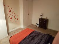 Very spacious double bedroom is now available in the houseshare 5min from Woolwich Arsenal Station