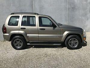 2006 Jeep Cherokee KJ MY05 Upgrade Sport (4x4) Gold 5 Speed Automatic Wagon Seaford Frankston Area Preview