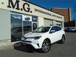 2016 Toyota RAV4 LE UPGRADE PKG AWD w/Heated Seats/Backup Camera