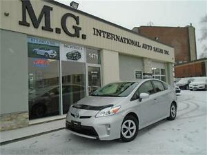 2013 Toyota Prius HYBRID w/Bluetooth/Backup Camera