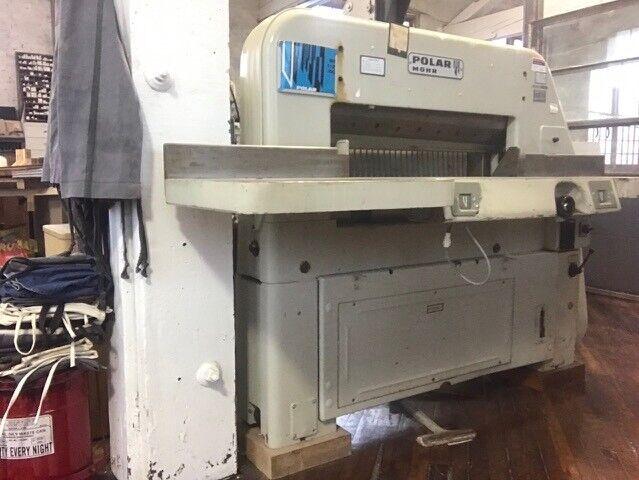 Polar Mohr Paper Cutter Model 82 ST