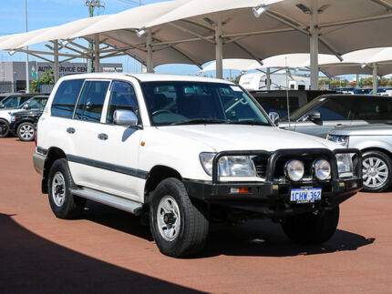 2000 Toyota Landcruiser HDJ100R GXL (4x4) White 4 Speed Automatic 4x4 Wagon Jandakot Cockburn Area Preview