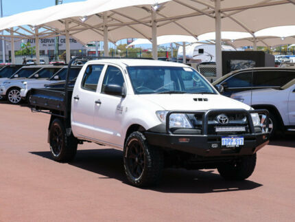 2011 Toyota Hilux KUN26R MY12 SR (4x4) White 5 Speed Manual Dual Cab Chassis Jandakot Cockburn Area Preview