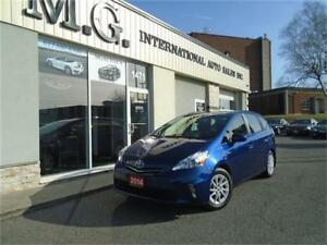 2014 Toyota Prius v /Bluetooth/Backup Camera