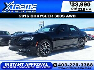 2016 Chrysler 300 S $219 bi-weekly APPLY NOW DRIVE NOW