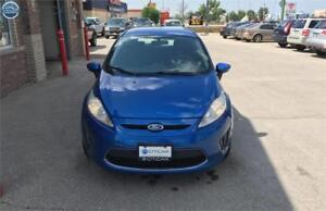 2011 Ford Fiesta SE. FULLY LOADED. CHEAP ON VEHICLE. AUX N MORE!