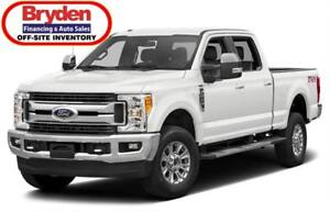 2017 Ford F-250 XL / 6.2L V8 / Auto / 4x4 **Only 15,000km!**