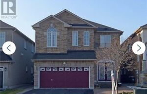 Gorgeous Home On A Premium Lot in South Oakville