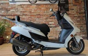 2009 KYMCO Frost 200i scooter