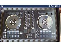 Pioneer DDJ RB mixing deck