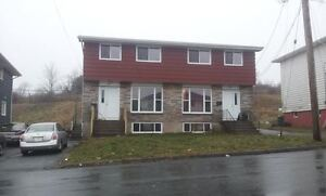 FOR RENT Feb 1st - 4br duplex Dartmouth $850