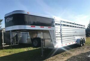 Trailers For Sale Calgary >> Buy Travel Trailers Campers Locally In Calgary Motorhomes